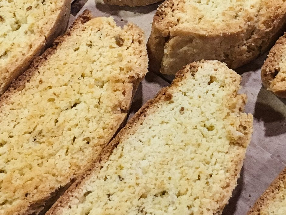 These italian anise biscotti are thick crunchy cookies with a hint of licorice flavor. Best served with a cup of coffee!   Tiny Kitchen Cuisine   https://tiny.kitchen