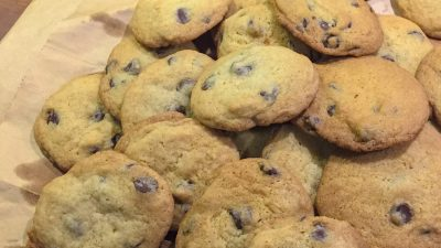 A classic chocolate chip cookies recipe! Semi-sweet chocolate chunks in a brown sugar cookie dough. Crunchy, chewy, sweet, and delicious!   Tiny Kitchen Cuisine   https://tiny.kitchen